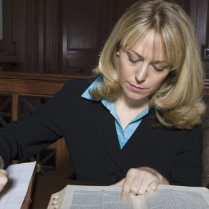 How to Become a Legal Nurse Consultant